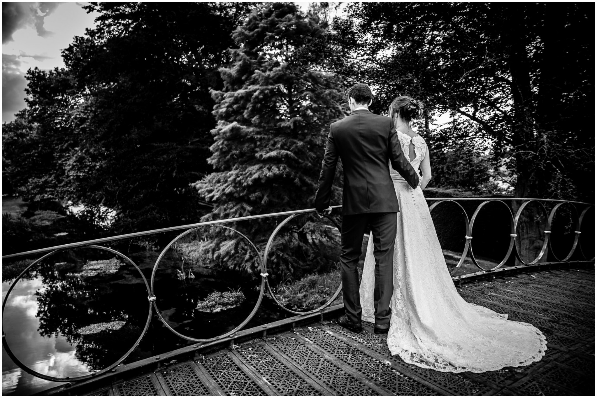 Avington Park Wedding Bride & Groom on Bridge 001